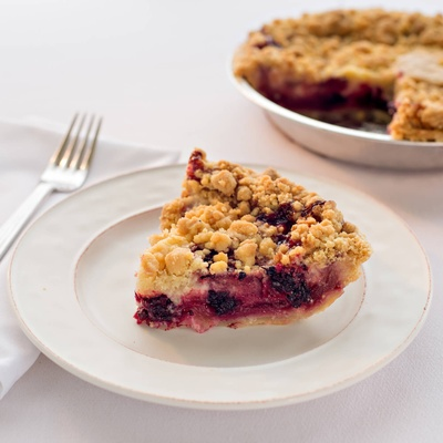 Lakeshore Berry Crumb Pie